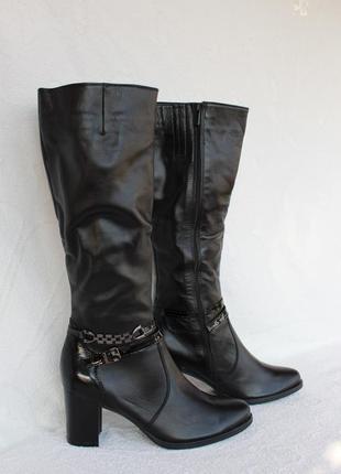 Зимние кожаные сапоги, сапожки 41 размера на устойчивом каблуке