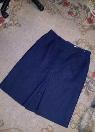Тёплая-шерсть,тёмно-синяя юбка с карманами и пуговицами,бол.14...