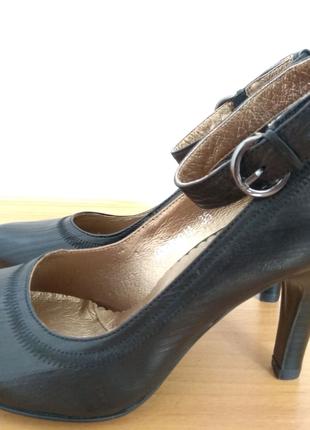 Туфли на каблуке Koecier | Нові | Сандалии, босоножки,  балетки