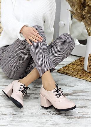 Туфли лак-кожа на толстом каблуке