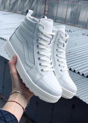 Крутые качественные женские кожаные ботинки
