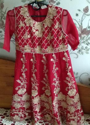 Платье детское нарядное в восточном стиле.