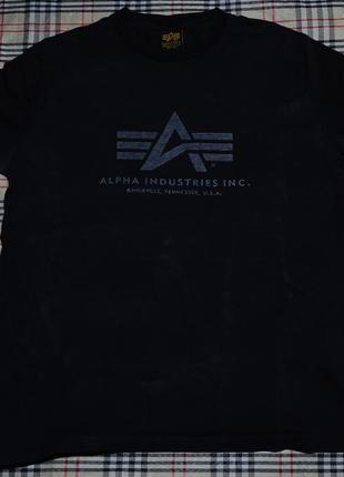 Черная футболка alpha industries