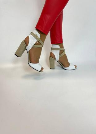 Кожаные босоножки на каблуке натуральная кожа замша