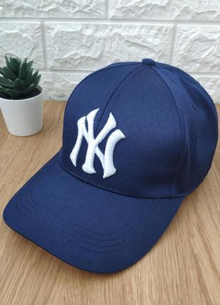 Стильная кепка new york yankees