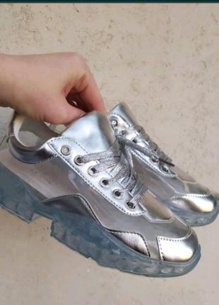 Прозрачные кроссовки 2021
