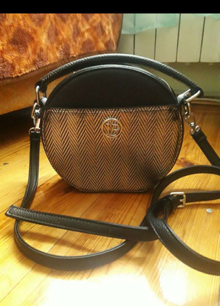 Стильная сумка кросс боди через плечо