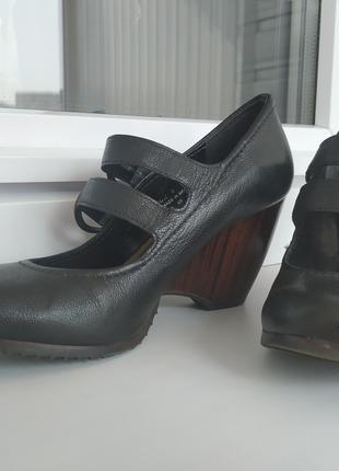 Женские кожанные туфли Clarks
