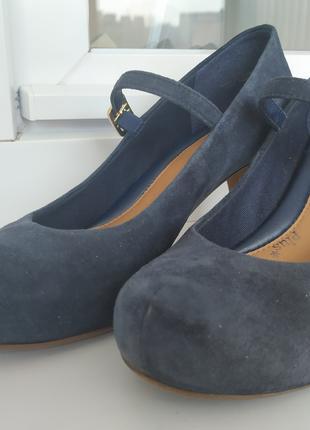 Женские туфли из натуральной замши Clarks