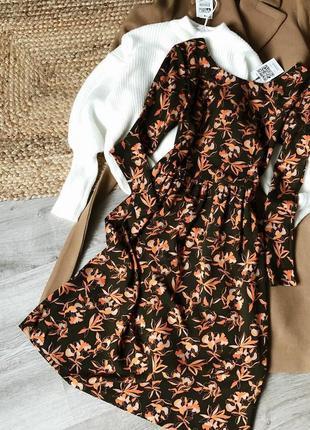 Платье хаки с карманами