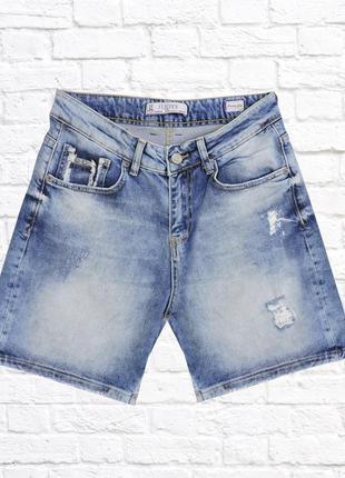 Женские джинсовые шорты. голубые. размер 26.