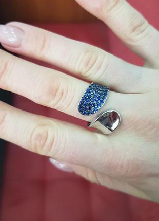 Серебряное кольцо с цирконами тандем