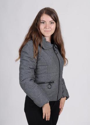 Осенняя куртка женская короткая