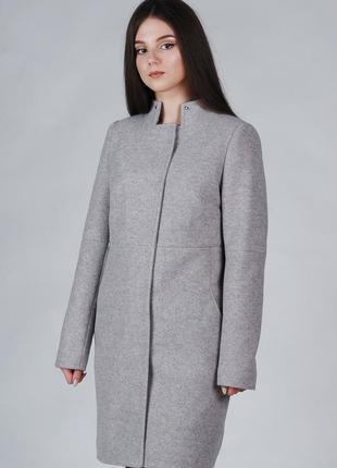 Демисезонное женское пальто классическое