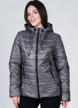 Женская весенняя стеганая куртка