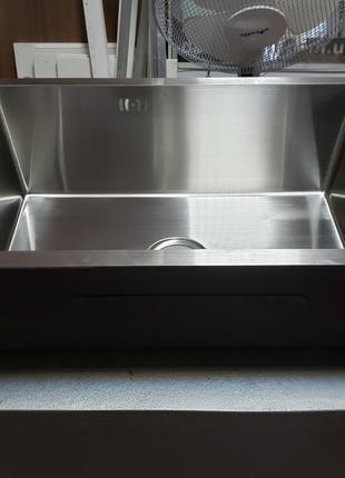 Кухонная мойка врезная из нержавейки под столешницу Nett