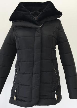 Черная коротка зимняя куртка с мутоном {46-56}