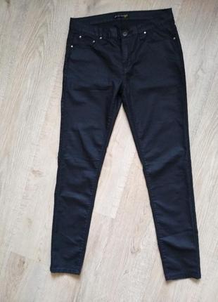 Легкие джинсы с пропиткой под кожу