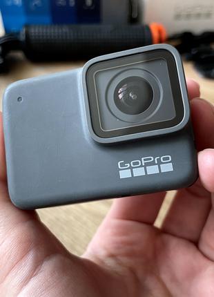 GoPro hero 7 silver + рукоятка-поплавок + карта памяти на 128GB