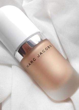 Marc Jacobs Coconut Gel Highlighter в оттенке шампанского Dew You