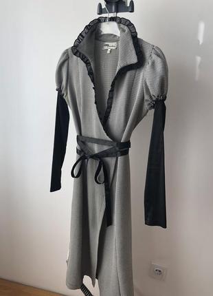 Строгое деловое платье на запах