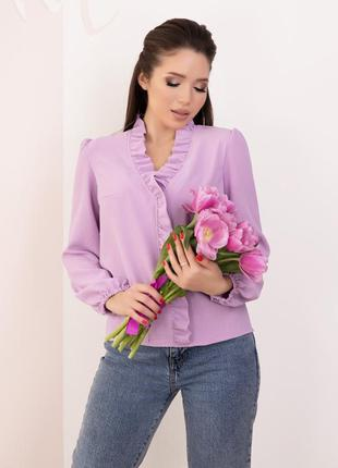 Сиреневая креповая блузка с рюшами