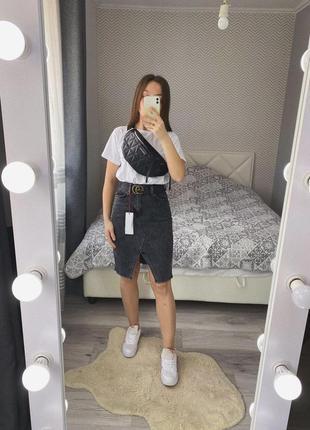 Новая серая джинсовая юбка до колена