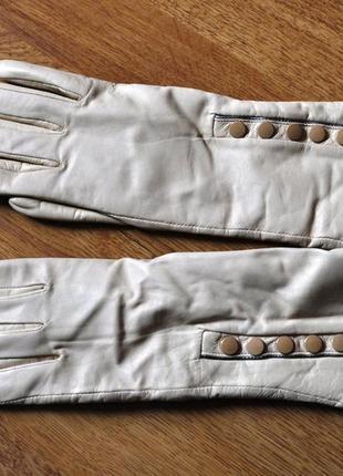Кожаные перчатки италия молочного цвета