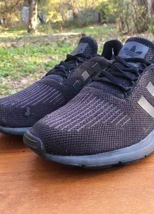 Кроссовки Adidas Swift Run черные,легкие,сеточка Р.43 Original