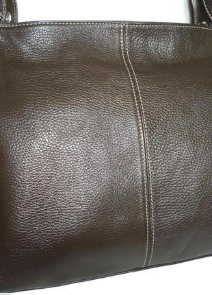 Стильная вместительная сумка из кожи
