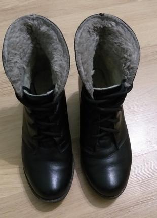 Ботинки на танкетке кожа