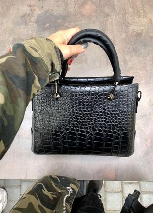 Женская классическая сумка черный крокодил