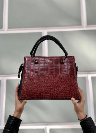 Женская классическая сумка красный крокодил