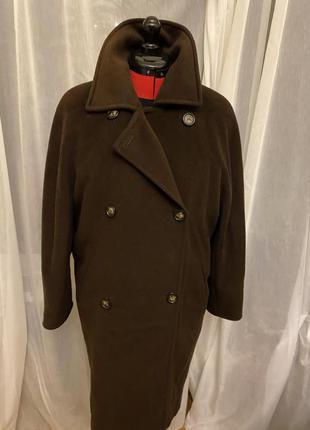 Легендарное  пальто от max mara не нуждается.
