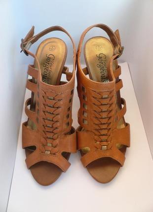 Оригинальные кожаные босоножки на скошенном каблуке  new  look...
