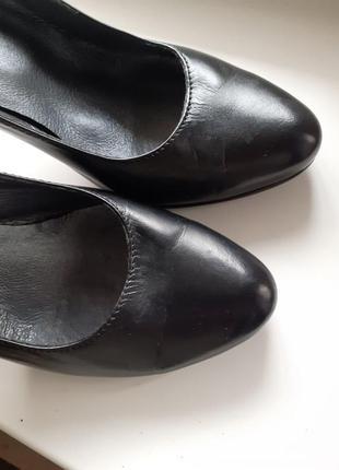 Женские туфли лодочки на шпильке 37 р.