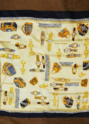 Красивый платок.