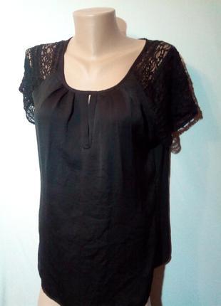 Чёрная блузка с кружевной отделкой.👕