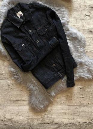 Джинсовая куртка от tommy hilfiger