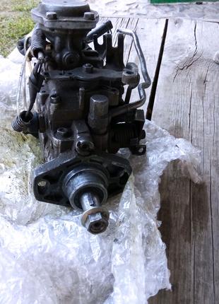 У топливный насос высокого давления для Toyota Carina 2.0D