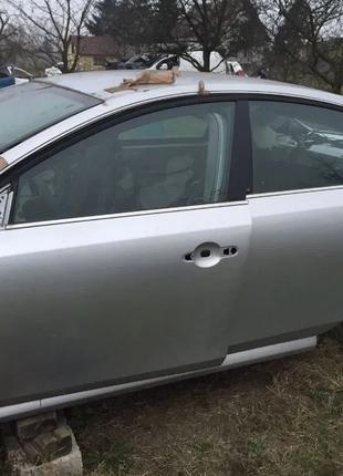 Дверь передняя задняя левая на Renault Latitude