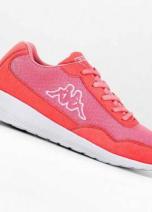 Кросівки жіночі .