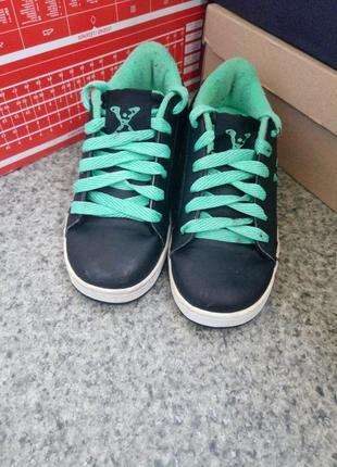 Продам оригинальные роликовые кроссовки heelys