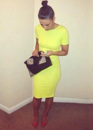 Яркое платье лимонное