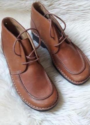 Кожаные демисезонные ботинки clarks  37 размер