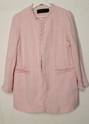 Zara нежное розовое пальто с укороченными рукавами