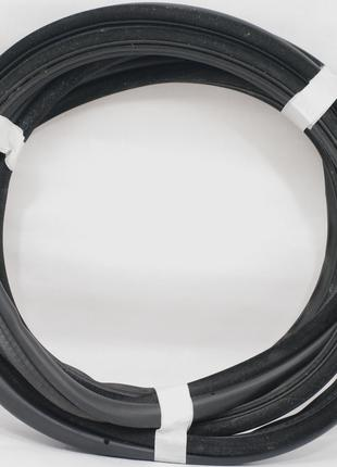 Уплотнитель крышки багажника задней двери BMW E39 5-series Tourin