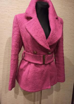 Розовое мохеровое пальто balizza