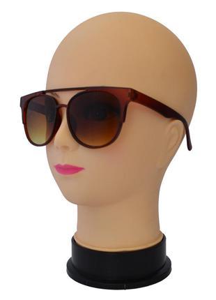 Женские солнцезащитные очки матовые