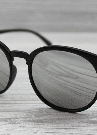 Матовые женские солнцезащитные очки черные